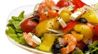 Лёгкий новогодний салат с креветками