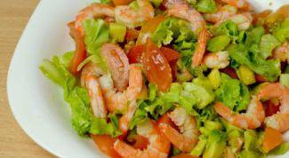Легкий новогодний салат с пекинской капустой и креветками