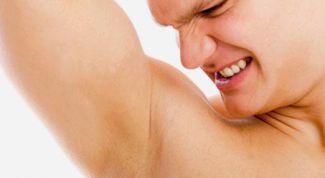 Как избавиться от запаха подмышек: народные средства