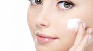 Как правильно составить ежедневный уход за кожей лица
