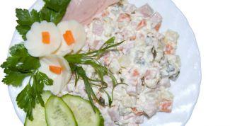 Как приготовить простые и вкусные салаты на скорую руку