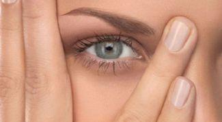 Как избавиться от опухших глаз
