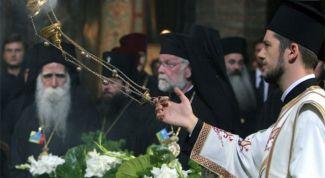 Почему совершается каждение в православных храмах