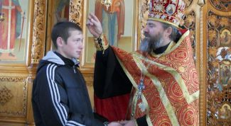 How to take the blessing of an Orthodox priest