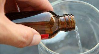 Как применять нашатырный спирт в быту