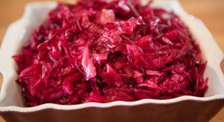 Как приготовить маринованную капусту со свеклой