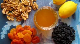 Как приготовить смесь из кураги, изюма, меда и лимона с грецким орехом