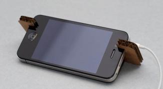 Очень простая подставка для смартфона из картона своими руками