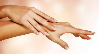 Hands - the card of women