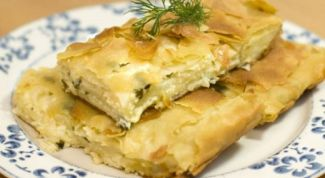 Как приготовить простой пирог из лаваша с сыром и зеленью