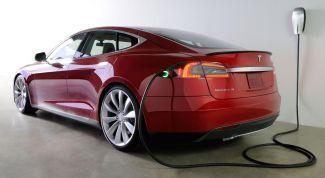 Tesla будет участвовать в скоростных соревнованиях среди электромобилей