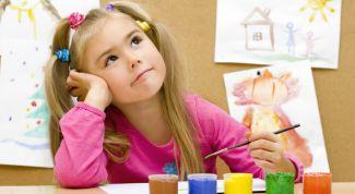 Как воспитывать ребенка-левшу