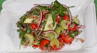 Vegetable salad with buckwheat