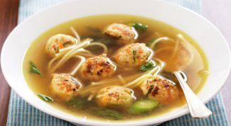 Soup with Turkey meatballs