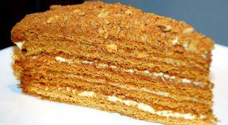 """Как приготовить торт """"Рыжик"""" по классическому рецепту"""