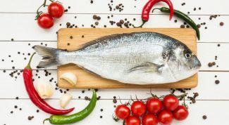 Как просто избавиться от запаха лука, рыбы, уксуса и чеснока на руках