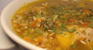 Суп перловый с картофелем и перчиком