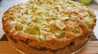 Пирог с ревенем