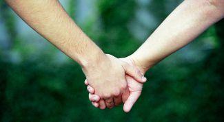 Как понять, что ребенок переживает сложный период подростковой влюбленности?