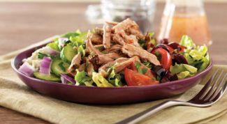 Vegetable salad with pork