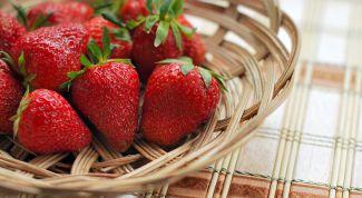 When strawberries ripen in the Moscow region, Leningrad region and Krasnodar
