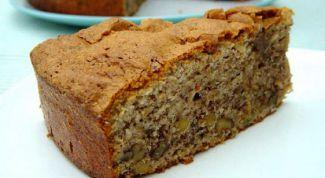 Ореховый пирог с натуральным йогуртом