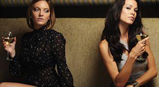 Women's friendship. Envy