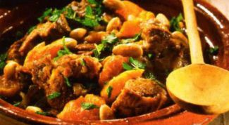 Spicy lamb with apricots
