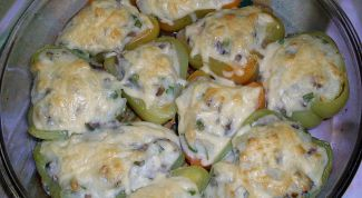 Stuffed peppers with potato stuffing
