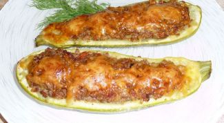 Zucchini boats with the stuffing