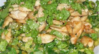 Салат из зеленого горошка с огурцами