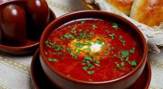 Red borscht in Ukrainian