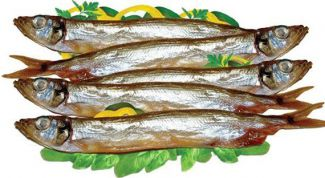 Braised with onions capelin