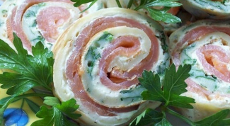 How to make roll with salmon and spinach