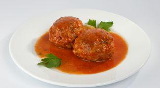 Gavage of meatballs-minced pork