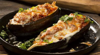 How to make juicy stuffed eggplant
