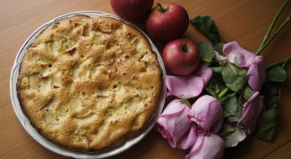 Как испечь шарлотку с яблоками