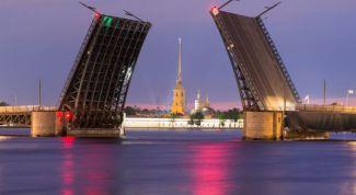 Во сколько разводят мосты в Санкт-Петербурге