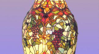 Как сделать расписную вазу  с помощью акрила