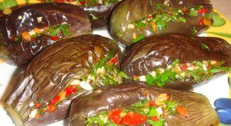 Баклажаны с фаршем и овощами