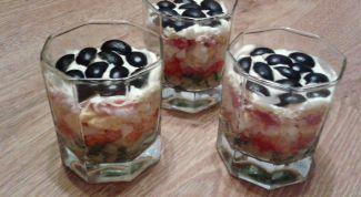 Как сделать пикантный салат с беконом