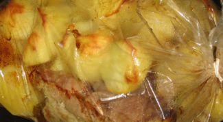 Как приготовить картошку с мясом в рукаве