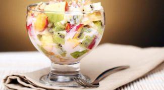 Как приготовить фруктовый салат с йогуртом