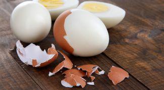 Как проверить яйца на свежесть в домашних условиях