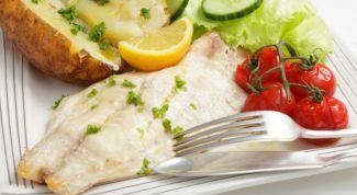 Как приготовить рыбу, запеченную в молоке
