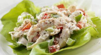 Как приготовить салат с курицей и свежими овощами