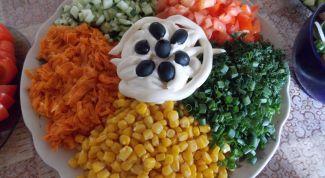 Как приготовить салат из куриной грудки и овощей