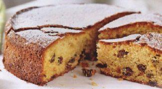 Как испечь кекс с изюмом и коньяком