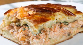 Как испечь пирог с семгой и сыром