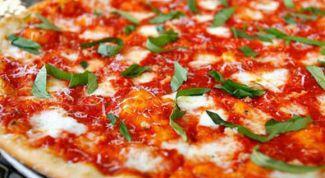 """Как приготовить пиццу """"Маргарита"""" в домашних условиях"""